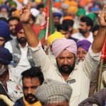 کشاورزان هندی از طرح های مودی برای اصلاح اقتصاد سرپیچی می کنند